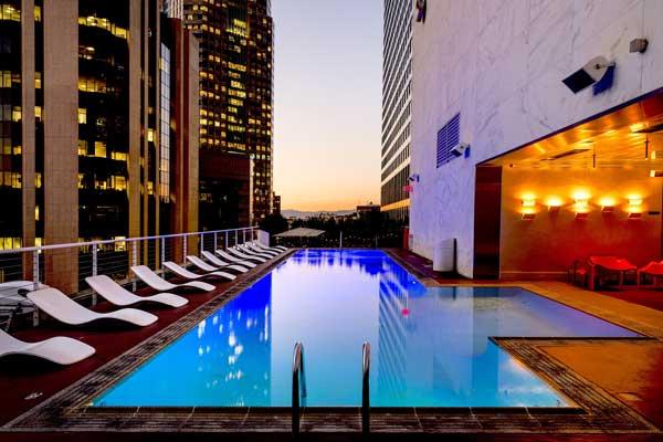 piscine immeuble beton