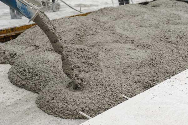 Beton pret a l'emploi livre par toupie beton