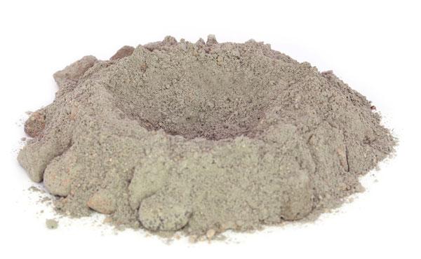 tas de ciment avec creux
