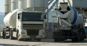 camion ciment et camion toupie