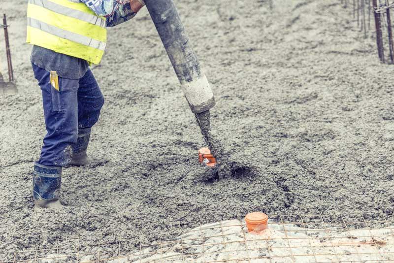 coulage beton pret a lemploi bpe camion toupie avec pompe integree