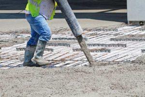 pompage beton pret a lemploi bpe camion toupie mixo pompe